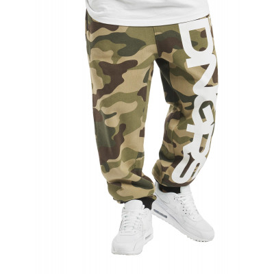 Dangerous DNGRS / Sweat Pant Classic in camouflage